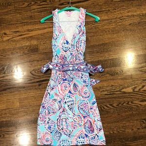 Lilly Pulitzer shell wrap dress size small